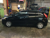2012 Hyundai Accent Berline impeccable avec A/C