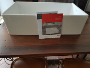 "Great price!! NEW Franke 36"" Farm House Fireclay White Sink!"