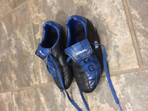 Wilson Soccer Shoes Size 13