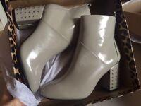 Brand new size 5 riverisland boots