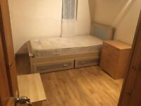 Bounds Green/Bowes Park - cosy single room in new refurbished house: all bills included, WIFI and TV