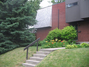 DDO Townhouse to rent 3+1 bedrooms with garage