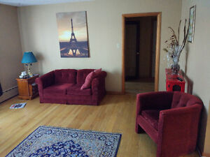 Bus to MUN and Village, clean and warm house, room for rent St. John's Newfoundland image 8