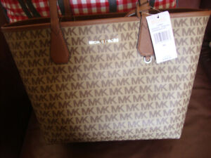 New Authentic Michael kors large reversible bag  and wallet