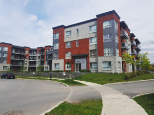 "Condo 2 bedrooms & a Den for Rent - Dix30 - Brossard ""L"" Section"
