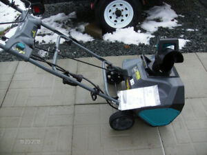 """New Condition Electric 20"""" 13 Amp Snow Thrower"""