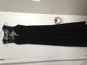 For Sale, Gorgeous floor length formal dress with keyhole back