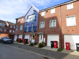 Furnished 3 Double bed Townhouse 15m drive to Airport, M4,M25 & M40