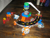 """Geotrax Airport set. With moving arm that """"flies"""" the planes"""