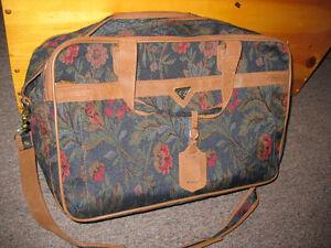Luggage Set (three piece set)