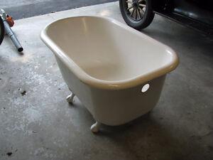 Vintage 4` bath tub
