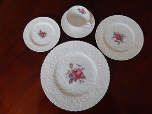 SPODE ENGLISH BONE CHINA DINNERWARE SET