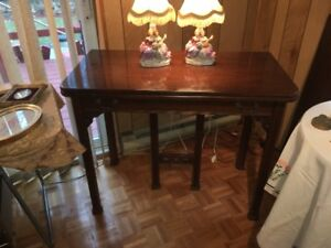 Unique Antique fold-out table with 3 leaves