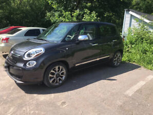 ****2014 Fiat 500L Touring Lounge including snow tires****