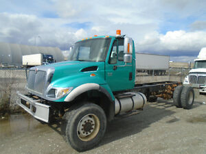 2007 International 7400 SFA 4x4 cab chassis