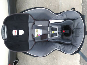 Britax car seat in excellent condition for sale