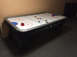 Air Hockey table with Table Tennis top 84'x48'x32'