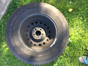 4 New winter tires 235/70R16 with rims