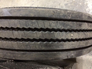 2 pneus 225/70r19,5 Michelin été