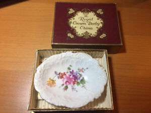 Royal Crown Derby UK ring trinket dish in box