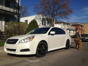 2010 Subaru Legacy limited Berline