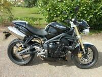 TRIUMPH STREET TRIPLE 675, 2010, 5,941 MILES, ONE OWNER +++++ RESERVED +++++