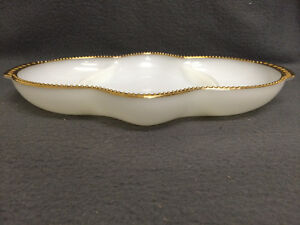 Collectible Antique Anchor Hocking Fire-King Milk Glass Relish London Ontario image 5