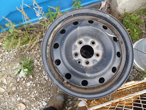 Many Pick-up and Car parts in stock London Ontario image 9