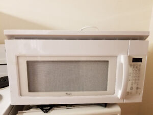 """Whirlpool 30"""" white over the range microwave cooker"""