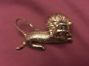 Lion rhinestone brooch pin jewellery