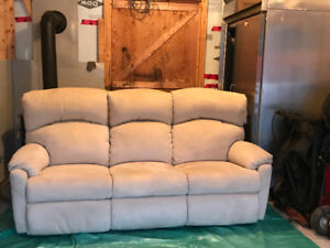 Recliner Couch from pet/smoke/child free home