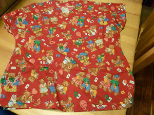 Woman's Scrub Top Size Large Valentine Bears Hand Made Kingston Kingston Area image 1