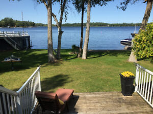 BEAUTIFUL WATERFRONT HOME FOR RENT THIS WINTER - FULLY FURNISHED