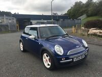 2003 52 MINI COOPER 1.6 XENONS HALF LEATHERS TOP OF THE RANGE LADY OWNER HISTORY BARGAIN