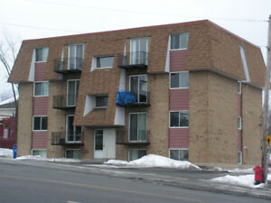 Grand 4 1/2 disponible 1er juillet Ste-Marie Beauce