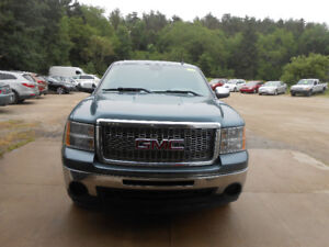 2010 GMC SIERRA, CREW CAB WITH TOPPER, 4.8LTR,warranty included!