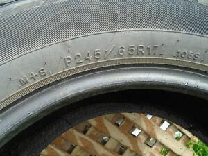 4 pneus d'été 245/65/17
