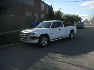 2002 Dodge Dakota Sport Pickup Truck