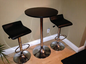 Pub table & bar stools