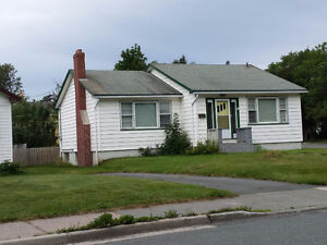 2 Bedroom House in Churchill Park Area ($1100 monthly)