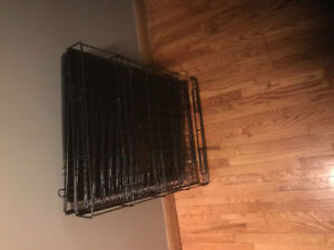Small dog crate in excellent condition