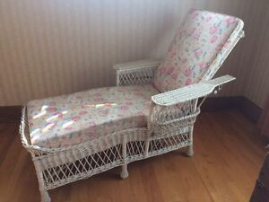 Antique Wicker Chaise lounge with cushion. London Ontario image 1