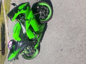 AMAZING 2007 KAWASAKI NINJA ZX6R - BEST LOOKER ON KIJIJI