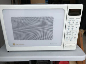 GE Microwave/Convection Oven