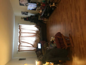 Nice 2 bedroom apartment January 1 - first month only $500