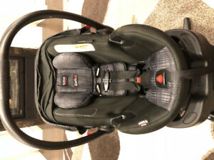 Britax b-safe elite 35 car seat and base