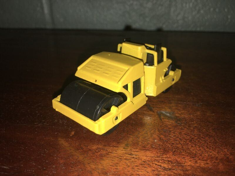 1 87 1989 HOT WHEELS ROAD ROLLER MADE IN MALAYSIA - $5.00