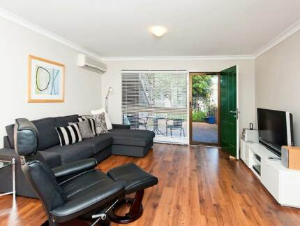 Fully Furnished & equipped 2 brm, 1 bath apartment Subiaco Subiaco Area Preview