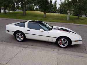 1986 Chevrolet Corvette black Coupe (2 door)