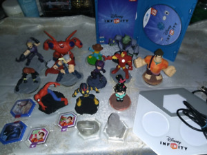 Wii U - Disney Infinity game, portal and many characters